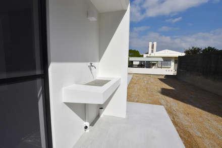 庭、手洗い場: Style Create   有限会社 秀林組が手掛けた庭です。