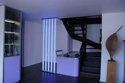 Après : Salon de style de style Minimaliste par Studio ACD
