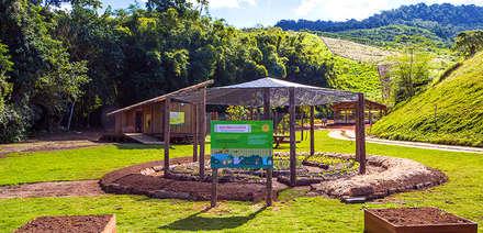 โรงเรียน by Flavia Machado Arquitetura