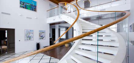 Light House: Лестницы в . Автор – OM architecture