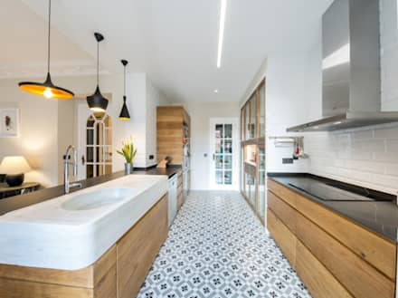 Built-in kitchens by Arkia Studios