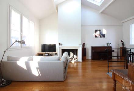 Duplex Paris 14: Salon de style de style Minimaliste par FABRIQUE D'ESPACE