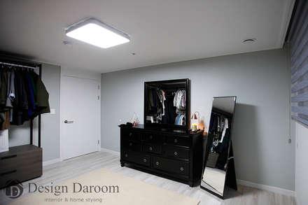 수유 두산위브 아파트 34py 드레스룸: Design Daroom 디자인다룸의  드레스 룸