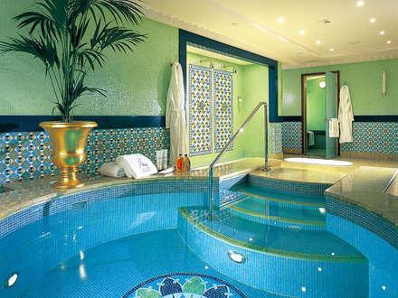 Baños Turcos de estilo  por Cleopatra BV