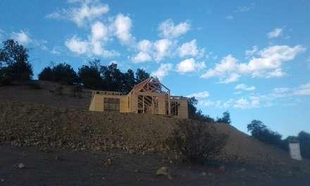 Armado de casa pre fabricada: Casas de estilo rural por Servicios Express Valparaíso
