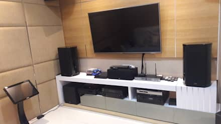 Ruang Karaoke:  Electronics by Cendana Living