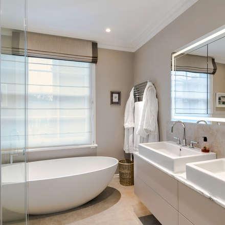 Relaxing warm bathroom: classic Bathroom by Studio 29 Architects ltd