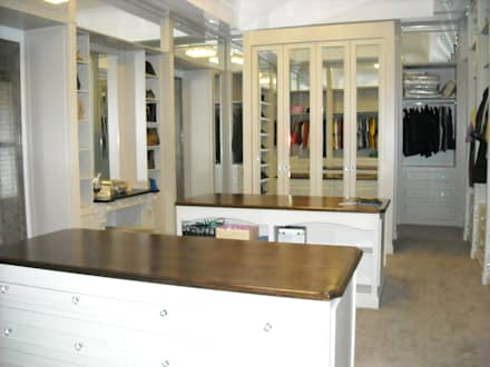 Main Dressing Room : eclectic Dressing room by CKW Lifestyle
