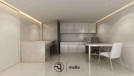 Corridor and hallway by คุณเฉลียง - ออกแบบตกแต่งภายใน