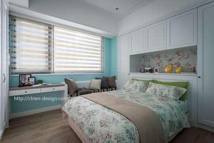 Dormitorios de estilo rural por 采坊設計