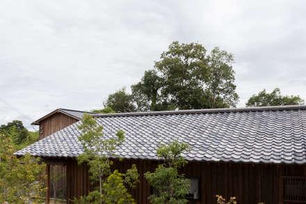 山陵の家: 中山建築設計事務所が手掛けた木造住宅です。