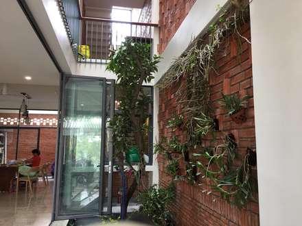 Ventanas de estilo  de Công ty TNHH Thiết Kế Xây Dựng Song Phát