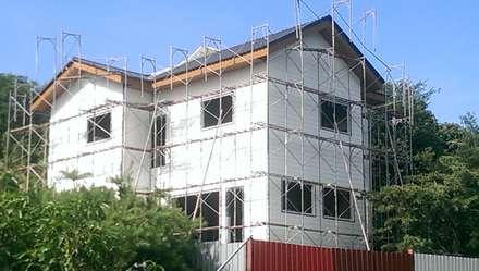 鋼構木屋:  房子 by 安居屋有限公司