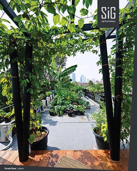 Casetas de jardín de estilo  por sigit.kusumawijaya | architect & urbandesigner