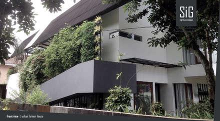 Rumah Kebun Mandiri Pangan (Food Self-Sufficiency House):  Rumah tinggal  by sigit.kusumawijaya | architect & urbandesigner