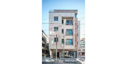 Multi-Family house by 제이에이치와이 건축사사무소