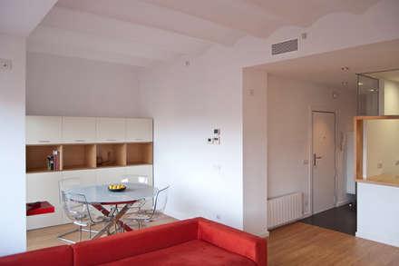 REFORMA VIVIENDA EN BARCELONA: Comedores de estilo minimalista de es-pai, paisatgisme i arquitectura integral