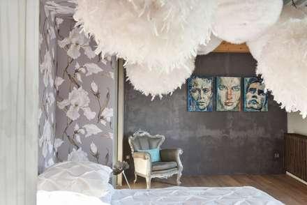 Mon truc en plumes: Chambre de style de stile Rural par Rénow