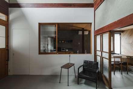 Cucina in stile in stile Asiatico di ALTS DESIGN OFFICE