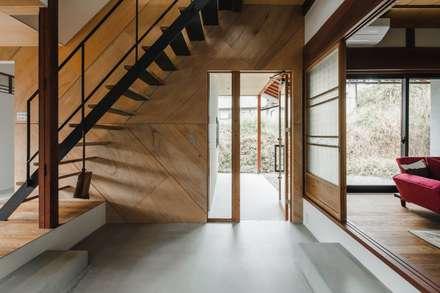 shimotoyama-house-renovation: ALTS DESIGN OFFICEが手掛けた階段です。