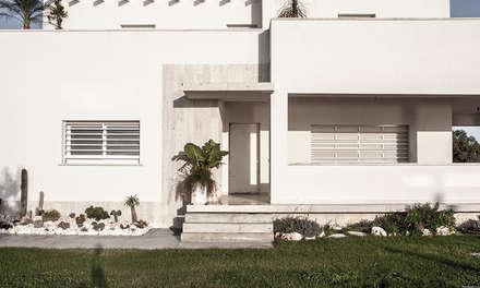 Ingresso: Villa in stile  di manuarino architettura design comunicazione