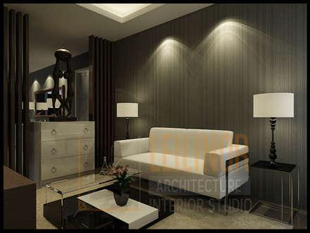 Classic Residential:  Ruang Keluarga by CV Leilinor Architect