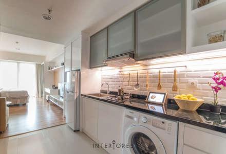 Dapur:  Dapur by INTERIORES - Interior Consultant & Build