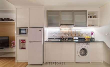Dapur & Laundry:  Dapur by INTERIORES - Interior Consultant & Build