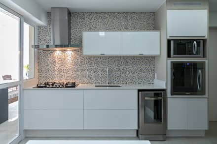 Kitchen units by P.B Arquitetura