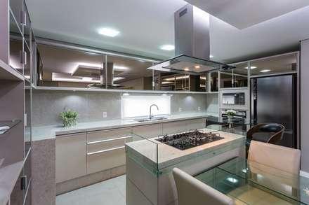 Kitchen units by Mais Art & Design