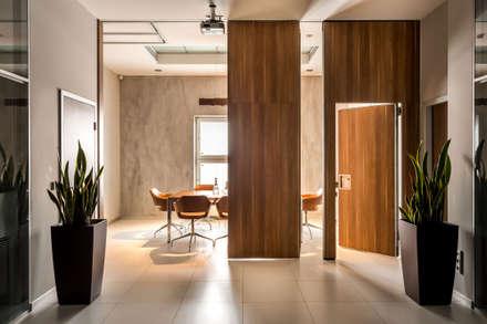 Офис БЦ W Plaza: Офисные помещения в . Автор – Studio 25