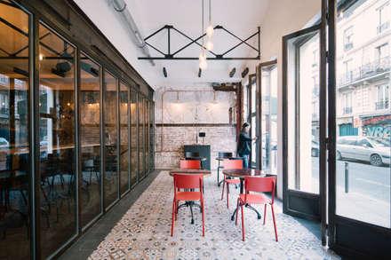 Le Carrousel: Terrasse de style  par Varinot & Varinot Architectes