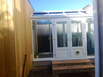 Conservatory Link Walkway: modern Conservatory by Building With Frames
