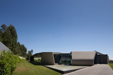 P161: Lagoas de jardins  por Helder Coelho - Arquitecto, Lda