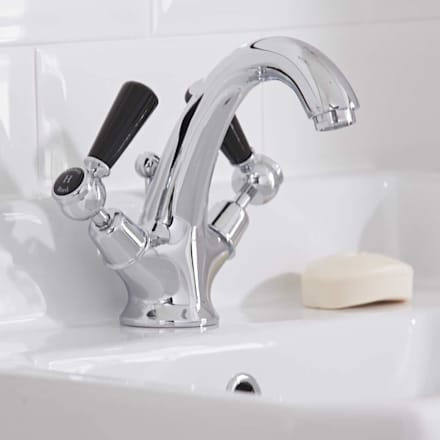 Hudson Reed Topaz Lever Basin Tap: classic Bathroom by BigBathroomShop