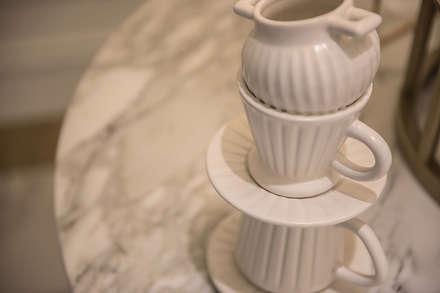 소품: 디자인에이드의  바 & 카페
