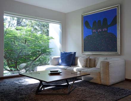 Oficinas de estilo minimalista por Stuen Arquitectos