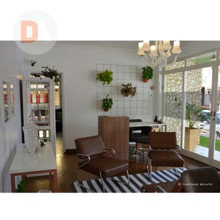 Espacios comerciales de estilo  por DA.rquitetura