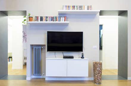minimalistic Living room by VITAE DESIGN STUDIO