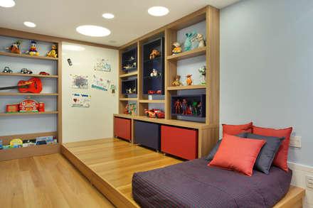 غرفة نوم أولاد تنفيذ Patrícia Netto Arquitetura & Design