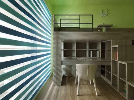 Phòng ngủ bé trai by 李正宇創意美學室內裝修設計有限公司