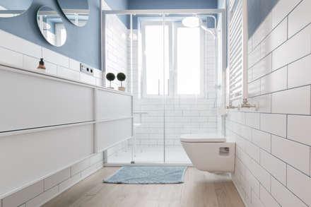 BAÑO: Baños de estilo ecléctico de COCINOBRA