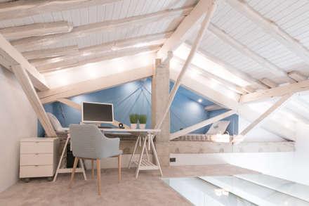 ESTUDIO: Estudios y despachos de estilo ecléctico de COCINOBRA