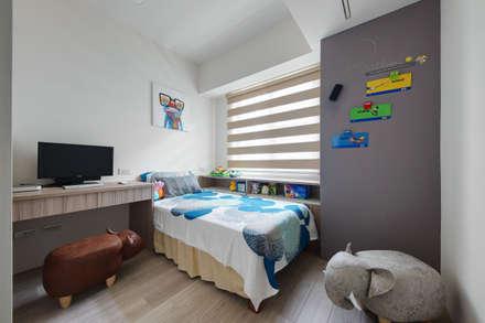 完工照:  嬰兒/兒童房 by 寬軒室內設計工作室