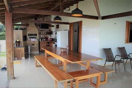 Country house by Ativo Arquitetura e Consultoria
