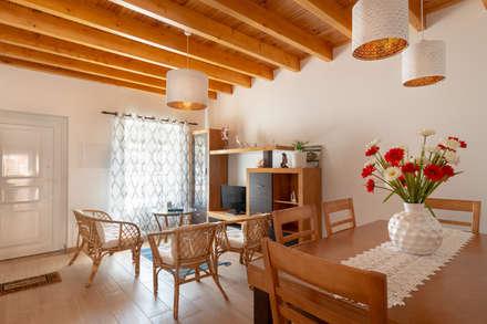 Alojamento local Praia da Barra: Salas de jantar mediterrânicas por Miguel Marnoto - Fotografia