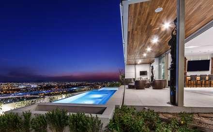สระว่ายน้ำ by Loyola Arquitectos