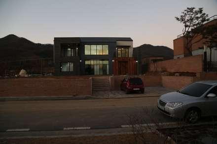 지산발트하우스 34호: 인문학적인집짓기의  일세대용 주택