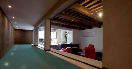 PSG - Poggio San Gandolfo: Piscina in stile in stile Minimalista di odap - arch. matteo pavese