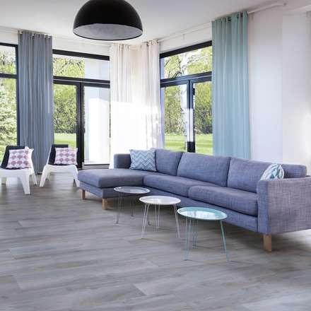 Woodie gres porcellanato effetto legno multiformato: Pavimento in stile  di WEBTILES CERAMICHE